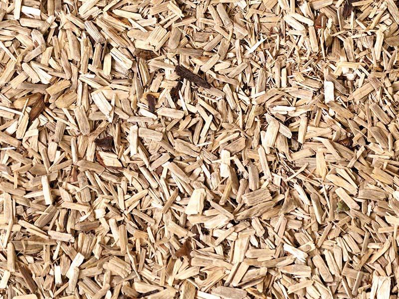 """Scaldarsi con il legno è più facile con il """"cippatino"""". Azienda toscana presenta il nuovo combustibile legnoso"""